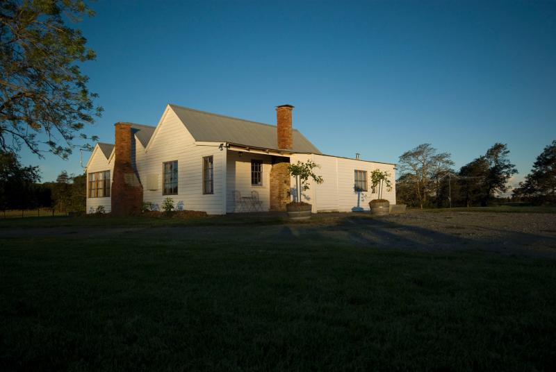 late check out - Button's Cottage rural retreat -private & secluded - Hobart - rentals