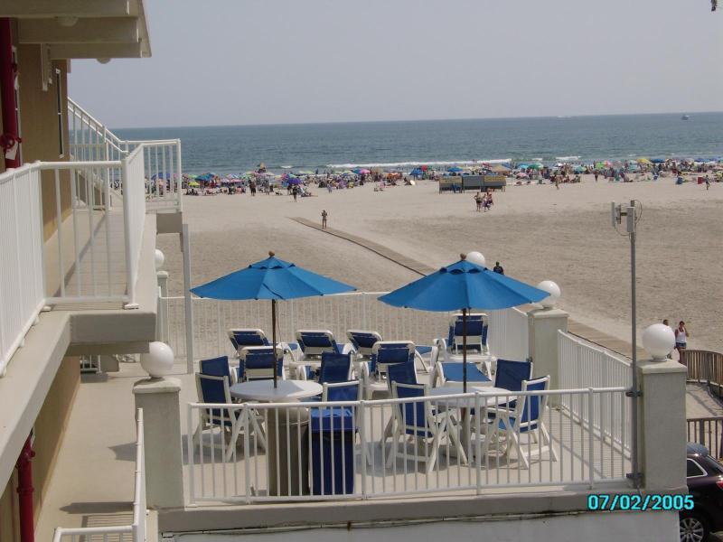 Summer Sands Beach Front Condo - Image 1 - Wildwood Crest - rentals
