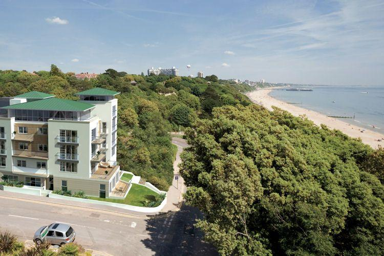Studland Dene is just yards from the beach - 20 Studland Dene located in Bournemouth, Dorset - Bournemouth - rentals