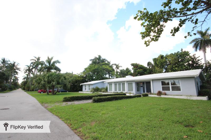 Best Miami Deal! Mid Century Modern Bayview Home - Image 1 - Coconut Grove - rentals