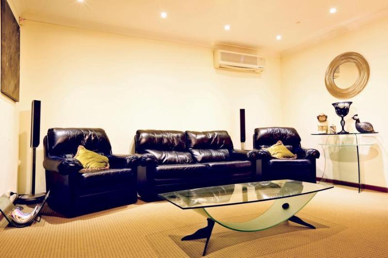 Lounge - Kardinya Sunrise, FREMANTLE - Perth Western Austra - City of Melville - rentals