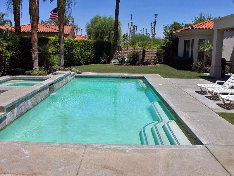 Ready to Swim - Nestled in Araby Cove - Palm Springs - rentals