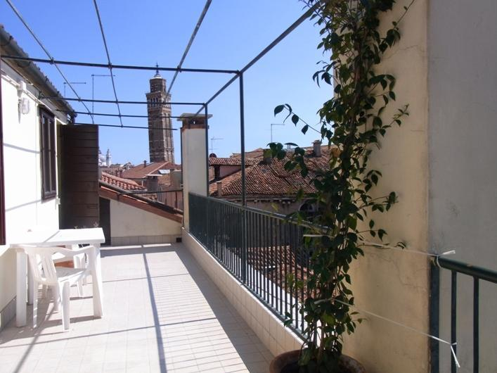"The big ""magic"" terrace - Ca' Bianca a lovely apartment with terraces and an emotional view!!! - Venice - rentals"