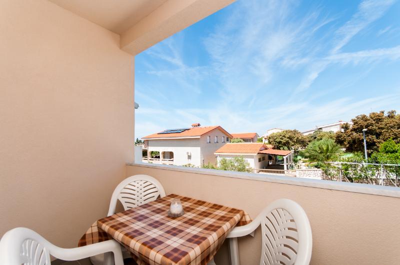 Apartments Anđelika - 25261-A10 - Image 1 - Mandre - rentals