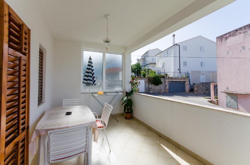Apartments Prošperina - 34301-A1 - Image 1 - Hvar - rentals