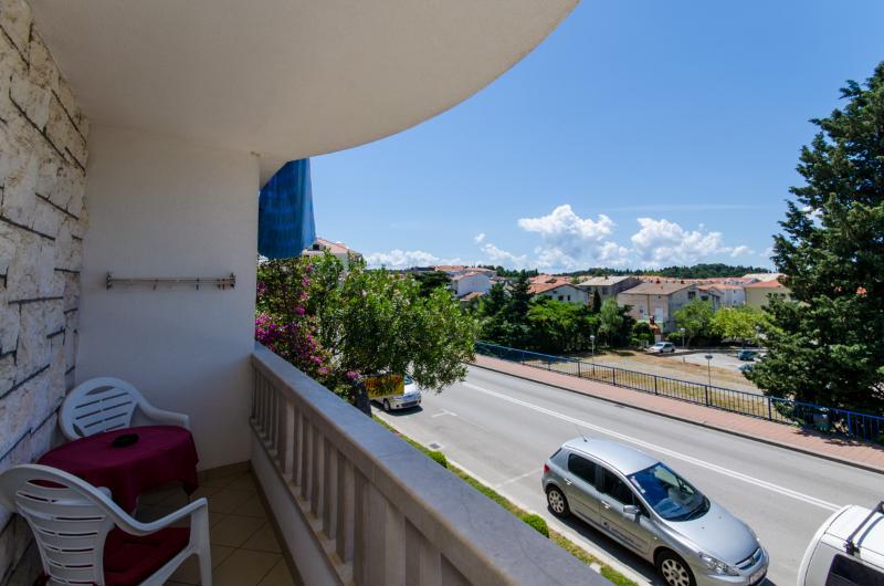 Apartments Mirko - 36201-A3 - Image 1 - Makarska - rentals