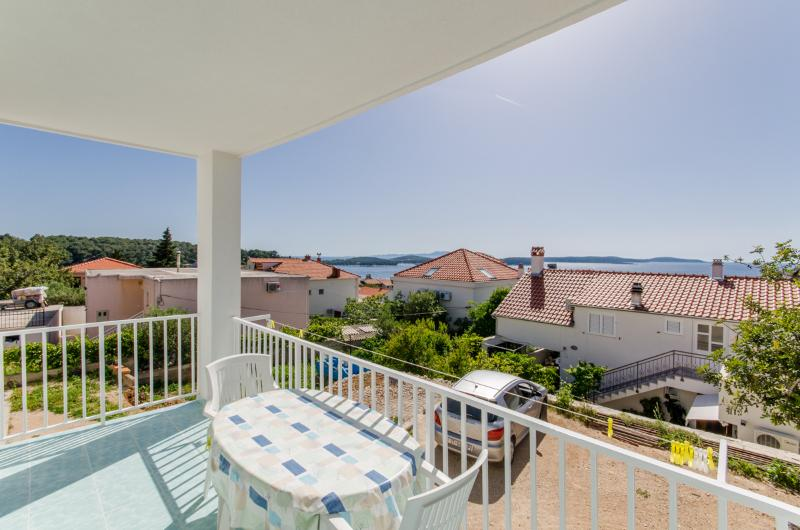 Apartments Ranka - 36541-A2 - Image 1 - Hvar - rentals