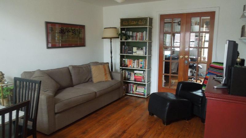 2 floors 2 bedroom Carroll Gardens apt in Brooklyn - Image 1 - Brooklyn - rentals