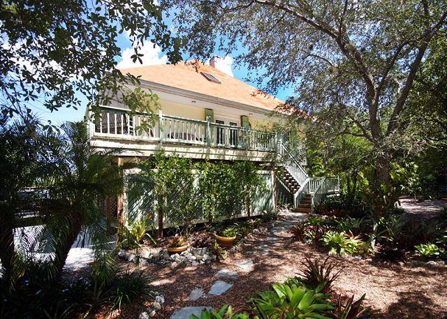 Exterior - Pet friendly vacation home in Gumbo Limbo - Sanibel Island - rentals