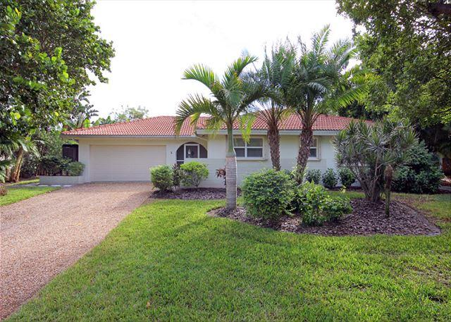 Exterior - Ground level luxury home with pool - Sanibel Island - rentals