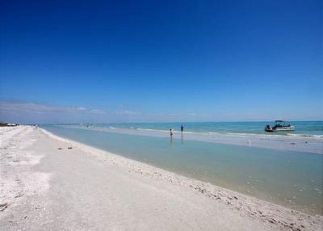 Beach - Gulf front three bedroom, East End, condo - Sanibel Island - rentals