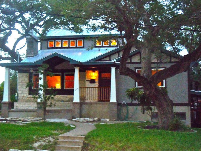 Luxurious Bouldin Home - town lake & Zilker Park! - Image 1 - Austin - rentals