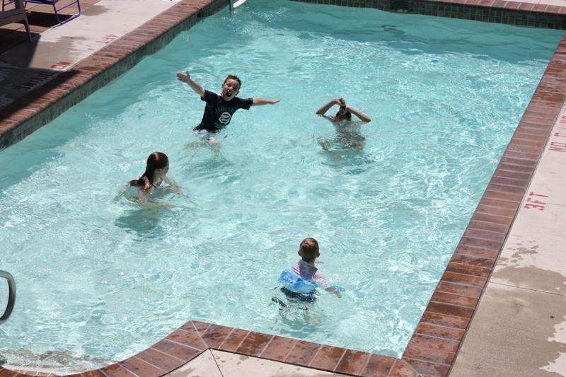 Heated pool! - OPEN 8/3 - 8/10-- Beautiful 3 Bdrm Condo  **POOL** Sleeps 10! - Wildwood - rentals