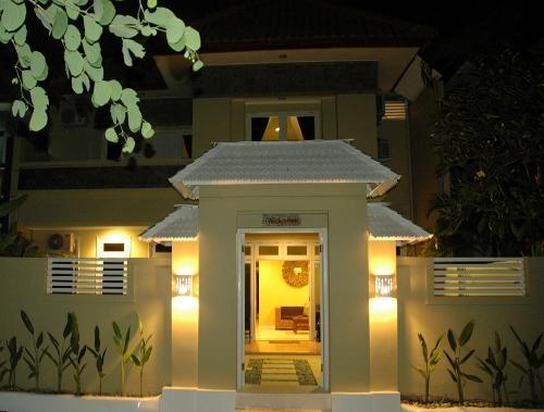KUTA 6 Bedroom (o) Lovely Spacious Villa - Image 1 - Kuta - rentals