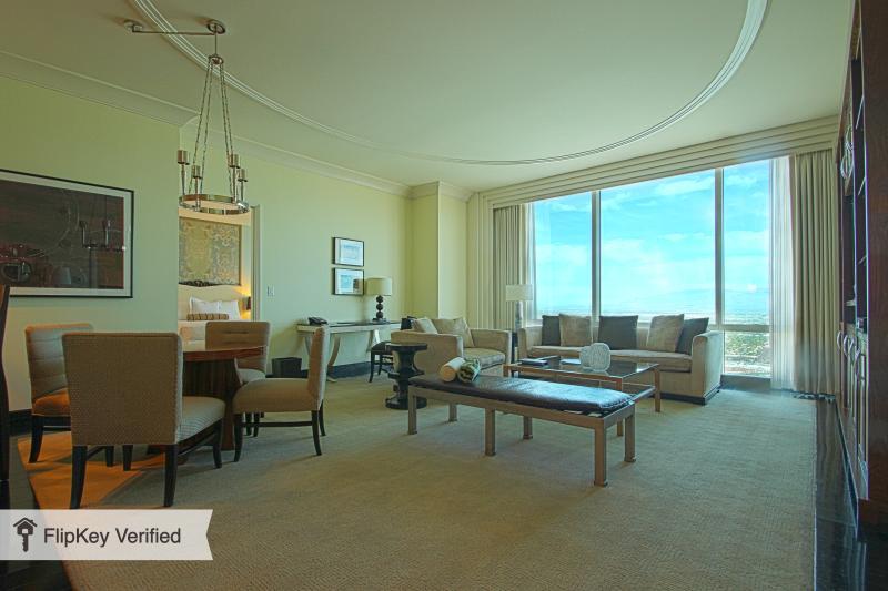 TRUMP Luxury 2 BR/3 BA Penthouse Top Floor - Image 1 - Las Vegas - rentals