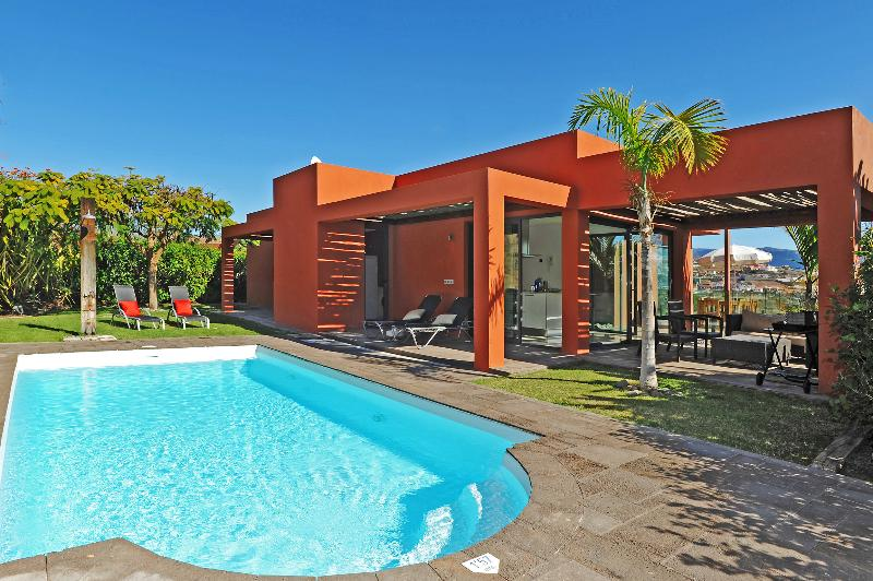 Villa with 3 bedrooms and private pool in Salobre - Image 1 - Maspalomas - rentals