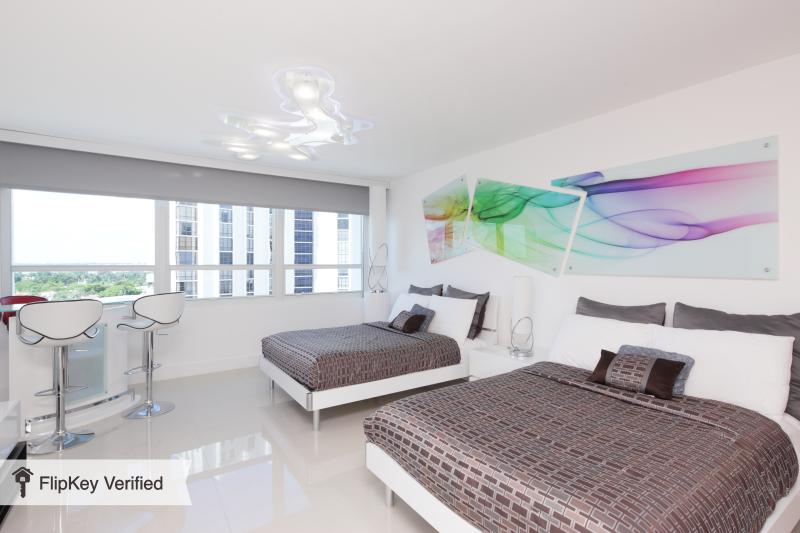 Elegant Bay View Studio 905 - Image 1 - Miami Beach - rentals