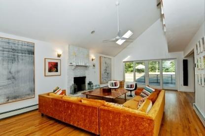 Living Room - Beautiful 6BR/4BA East Hampton Home - East Hampton - rentals