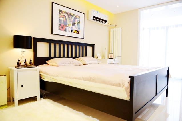 Bedroom #1 - city center 5min walk to Metro 2bdr apt up 4guests - Beijing - rentals
