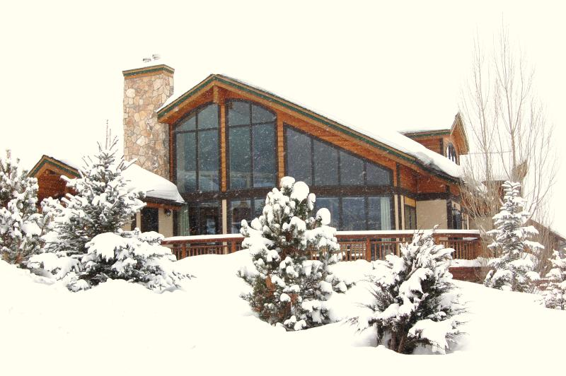 Hunters Cove in winter - Luxury 5BR on Mtn; Sleeps16;Amazing Views,Hot Tub - Steamboat Springs - rentals