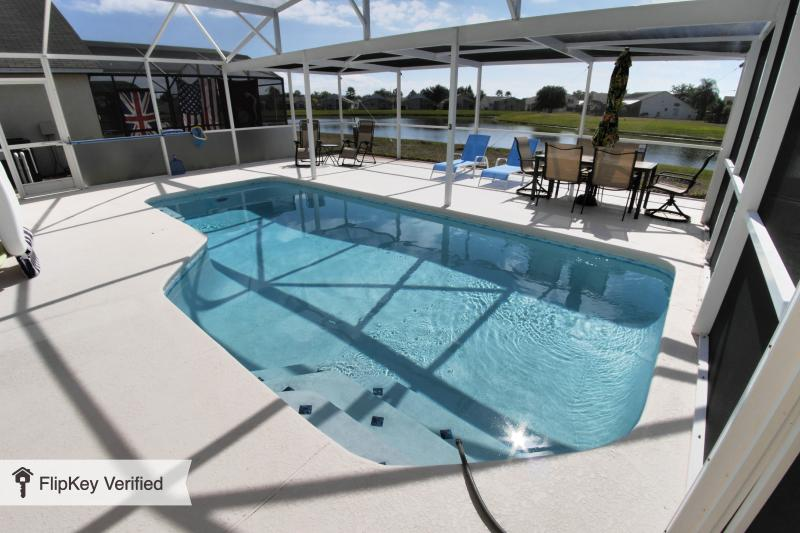 South Facing Private Pool with Lake Views, Full Dining and Lounging. Relax/Play its your choice! - Orlando 3/2 Luxury SF Pool Chefs Kitchen Disney - Orlando - rentals