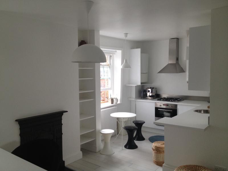 Very central design studio! - Image 1 - London - rentals