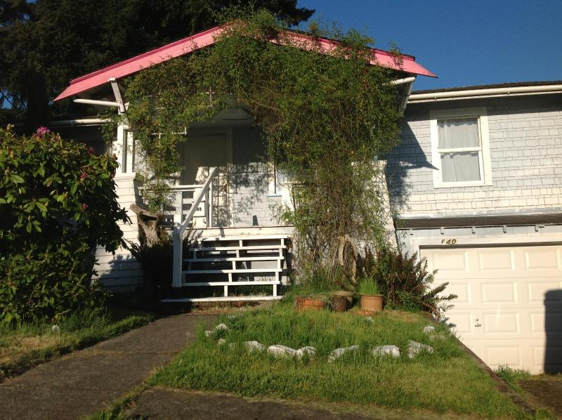 The House - Walk to Ferry - Entire House - Bremerton - rentals