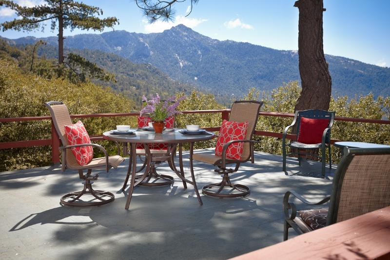 "Spacious Deck with Monument View of Lily Rock - The Beautiful ""Sunset Perch"" - Pine Cove - rentals"