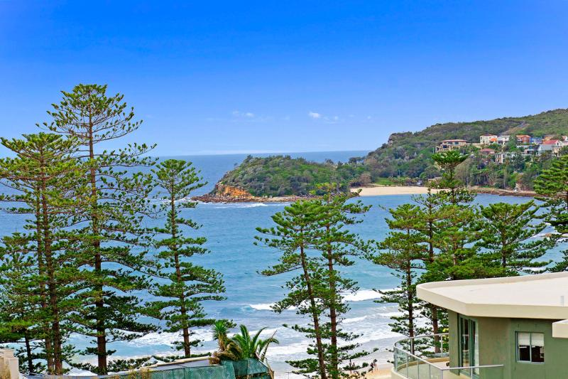 View from your balcony - Holiday Central Manly - Manly - rentals