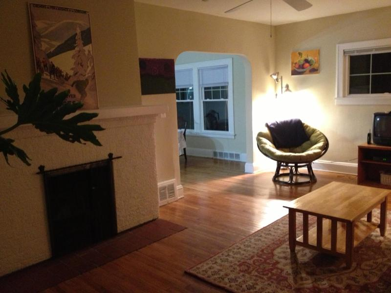 7 minutes from Cleveland Clinic: Oak1 - Image 1 - Cleveland Heights - rentals
