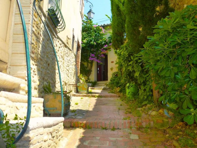 lane way to house - Quirky Provence Village House with Sea View Terrac - Cagnes-sur-Mer - rentals