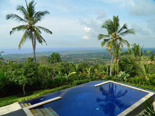 Infinity Pool - view to Bali Sea - Stunning Mountain Retreat, Total Privacy, Sea View - Lovina - rentals