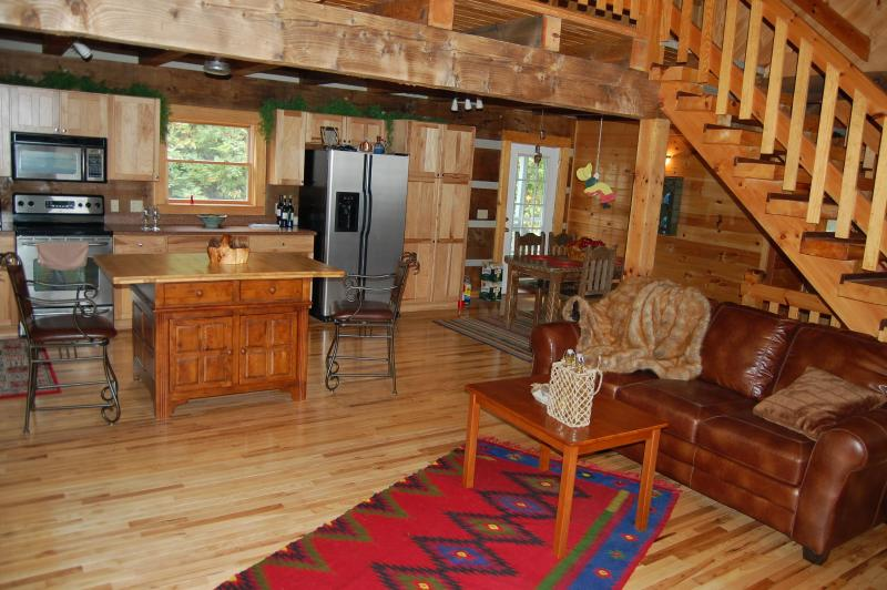 Great mountain view! The sound of a running creek! - Image 1 - Maggie Valley - rentals
