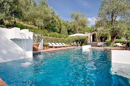 Hillside Lucca Vacation Rental at La Madonnina with Pool - Image 1 - Lucca - rentals