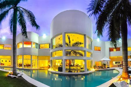 Private, Exclusive Villa Aqua with Contemporary Design, Pool & Friendly Staff - Image 1 - Playa del Carmen - rentals