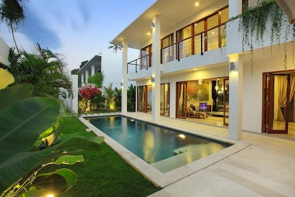 Moonlight Villas, complex of four 3 br villas, Nus - Image 1 - Nusa Dua - rentals