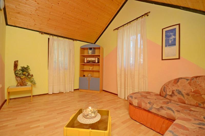 Apartments Enko - 53741-A3 - Image 1 - Lastovo - rentals