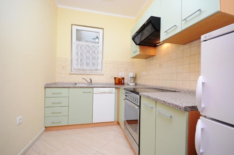 Apartments Erika - 61341-A1 - Image 1 - Moscenicka Draga - rentals