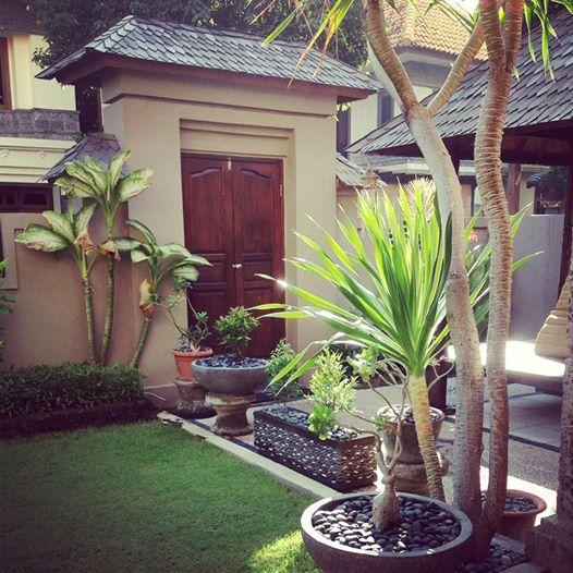 Private Front Courtyard - Kuta Villa Indah - Kuta - rentals