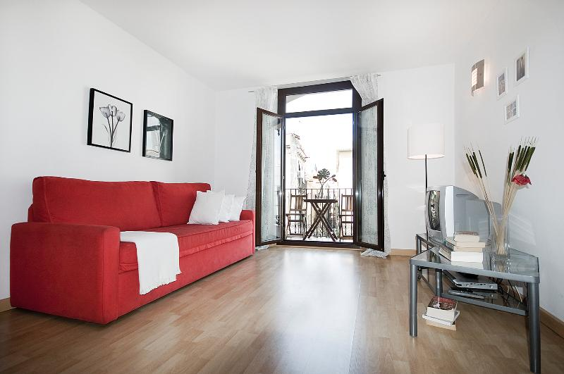 BCNinternet Happy Apartment 4 pax superior - Image 1 - Barcelona - rentals