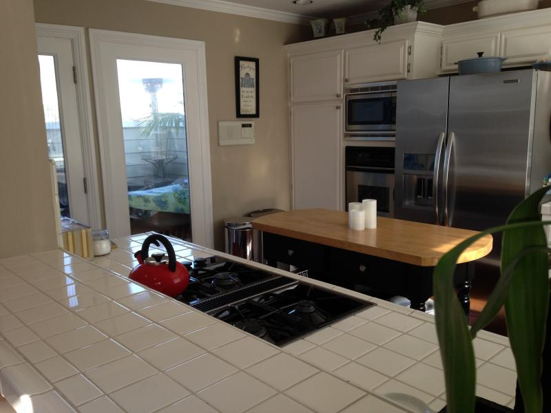 Stainless top of the line appliances - Steps to the heart of Hermosa Beach and the ocean - Hermosa Beach - rentals