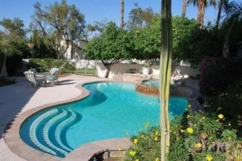 Your own private courtyard for dinner under the desert sky - Uncork & Unwind!! Your Private Oasis 2 Bedroom / 2.5 Bath heated Pool & Spa by the Tennis Garden - Palm Desert - rentals