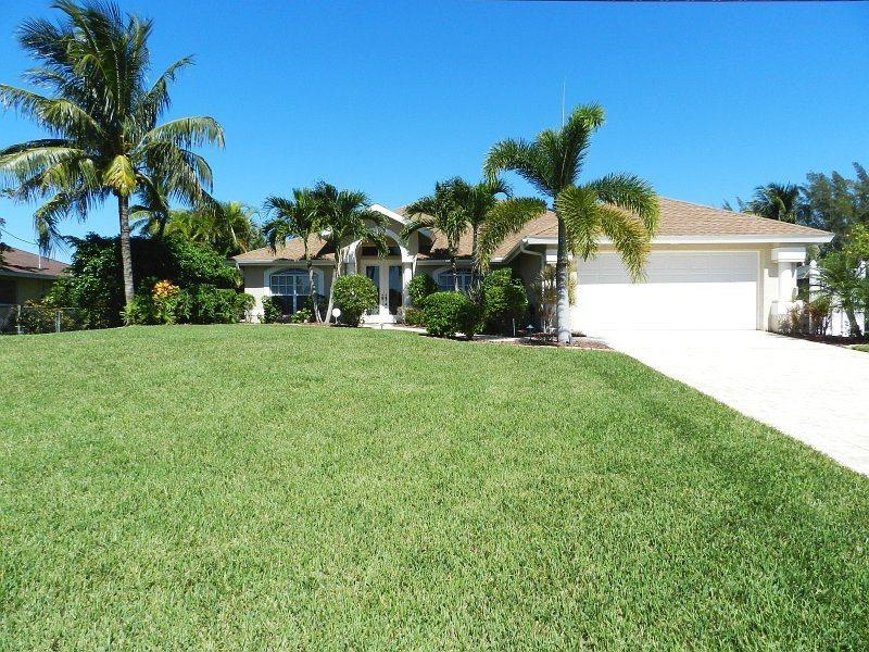 Villa Katherine - 3/2 Electric Heated Pool Home, Lakefront, High Speed Internet - Image 1 - Cape Coral - rentals