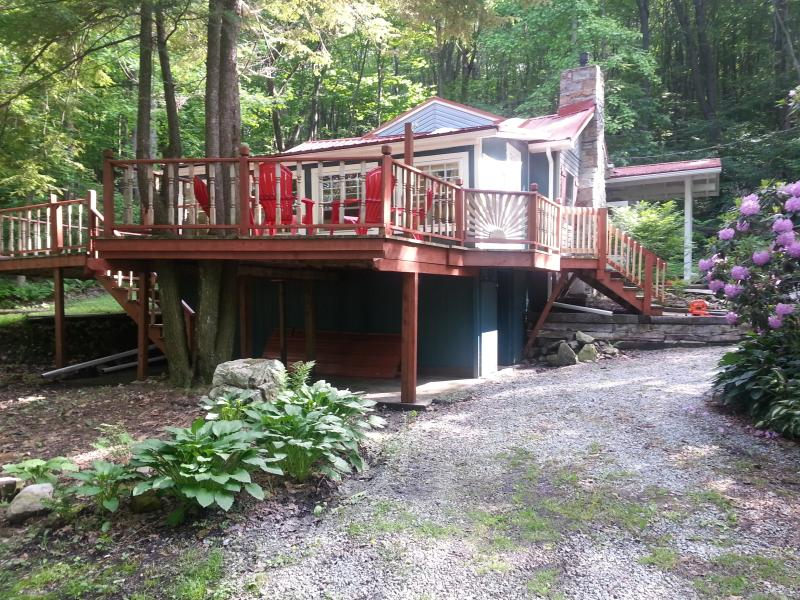 Front View of Cottage - Beautiful Mountain Cottage; Seven Springs - Seven Springs - rentals