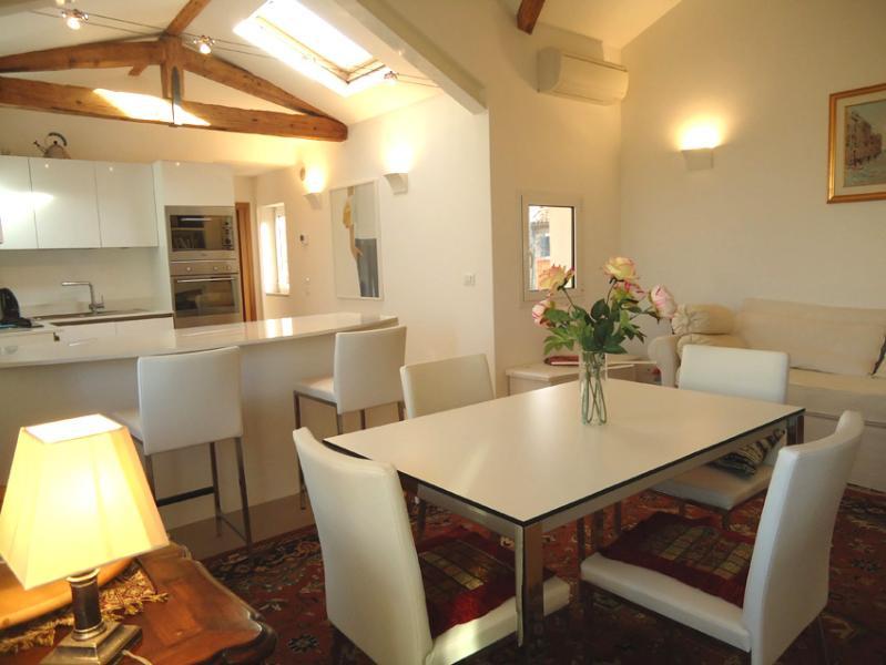 Ca'Na'Regio,  Comfortable apartment  in Cannaregio - Image 1 - Venice - rentals