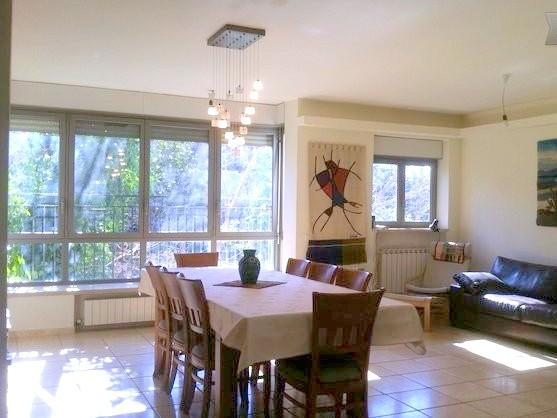 Welcoming living and dining area - Designer 2 BR in German Colony near  Emek Refaim - Jerusalem - rentals