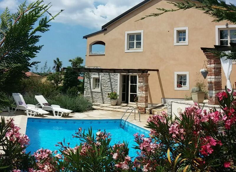 Pool area and pool - La Perla - Varvari - rentals