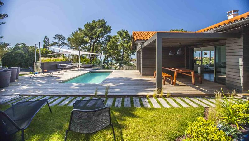Modern Design Villa w/ Heated Pool & Ocean views - Image 1 - Biarritz - rentals