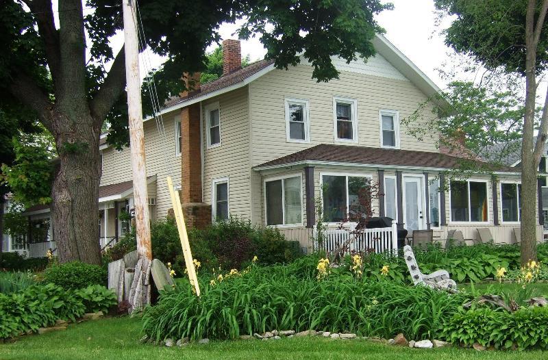 An Old Lake House - An Old Lake House on Lake Erie @ Mitiwanga Park OH - Huron - rentals