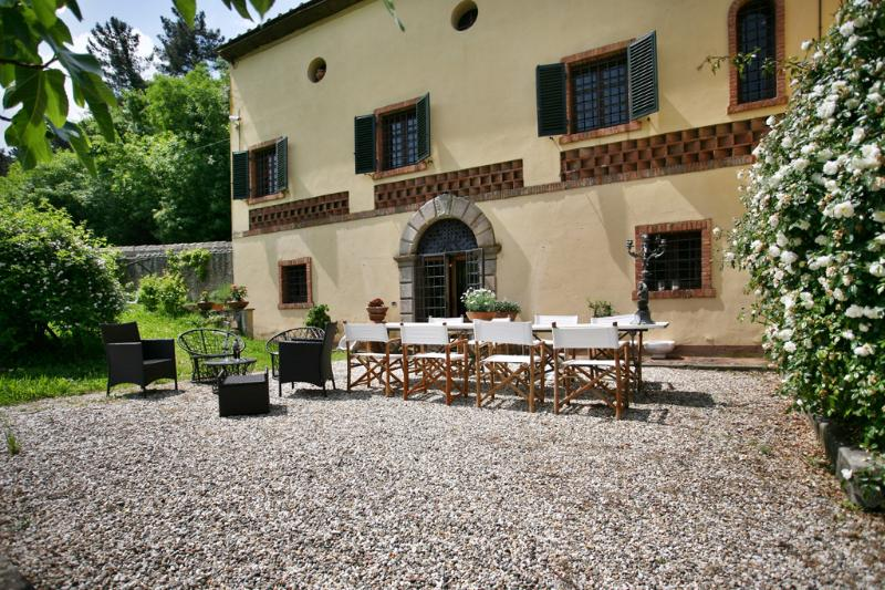 External view of Villa Viola and grounds - Charming villa with panoramic view only 5km from L - Lucca - rentals